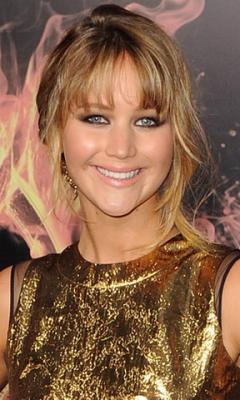 Wow Jennifer Lawrence at rain LWP